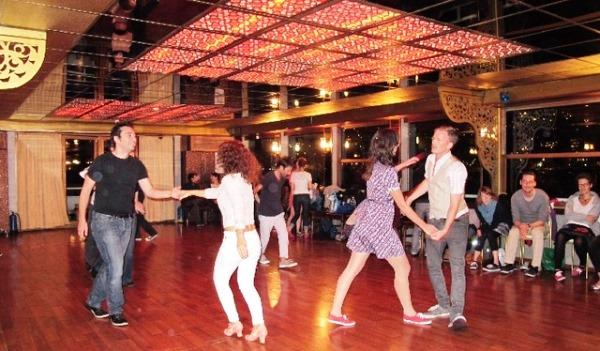 Занятия танцами в Стамбуле