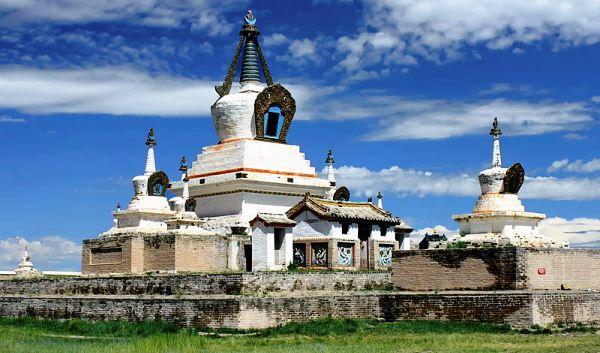 Эрдэни-Дзу – первый монгольский монастырь Будды