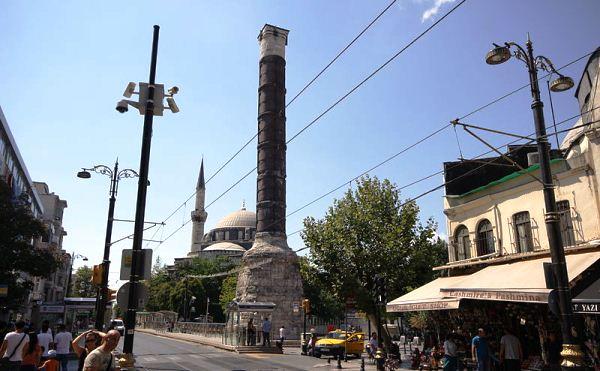 http://istanbul-city.ru/wp-content/uploads/2016/06/chemberlitas-stambul-turcia.jpg