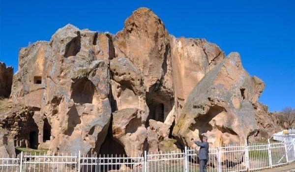 Монастырь Гюмюшлер в Нигде