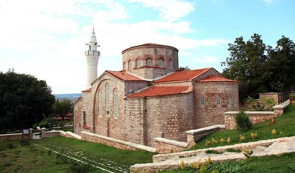 Маленькая церковь Святой Софии (мечеть Гази Сулеймана Паши), Кыркларели